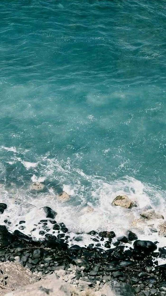 38 iPhone Wallpapers For Ocean Lovers | iphone 11 stock wallpaper, official iphone wallpapers, original apple wallpapers